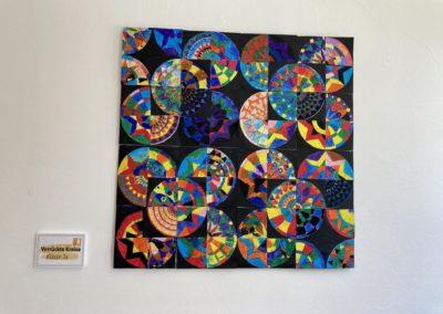 Kunstwerk der Klasse 3a der Astrid-Lindgren-Schule fürs Impfzentrum Kempten